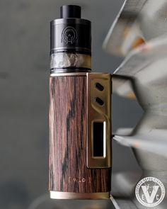 Vape Setup Of The Day! ATTY: Calypso 30mm Genesis RTA by Ohmega Mods MOD: Sigelei 213W TC Box Mod SKIN: Espresso WÜD Real Wood Skin Notice anything different about this Sigelei 213 Box Mod? That skin really makes it look like a completely different sexy device. Come thru the EVCigarettes website to browse all of our available real wood skins and build your next Vape setup today. Vape on! #WUD #realwood #boxmod #skins #EVCigarettes #dotcom #variety #popular #mods #vape #ecig