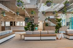 Office Tour: Uber Greenlight Hub Offices – Brisbane – Home Office Design Layout Office Lounge, Office Hub, Office 2020, Office Meeting, Office Interior Design, Office Interiors, Black Interiors, Interior Shop, Office Designs