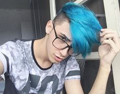 Blue hair boy - 28 images - 15 guys with blue hair mens hair Mens Blue Hair, Mens Hair Colour, Hair Color, Hair And Beard Styles, Short Hair Styles, Hipster Haircut, Faded Hair, Boy Hairstyles, Braided Hairstyles