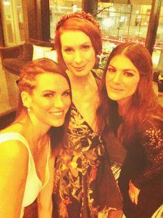 Spn ep 200 party! !! Daneel Harris/Ackles, Felicia Day, Genevive Padalecki Wonderful women!