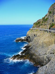 Cinque Terre Italy destination, accommodation, tours, information, culture, cuisine, activities, photos and videos.