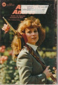 Armeerundschau 1/1981 — Angelika Andres, Solistin des Zentralen Orchesters der NVA
