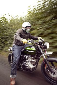 A Sweet W800 Street Scrambler Built By Spirit Of The Seventies With Input From Kawasakis