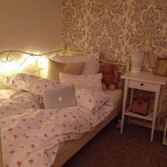 Imagem de room, home, and interior Room Design Bedroom, Room Ideas Bedroom, Bedroom Decor, Cute Room Ideas, Pretty Bedroom, Indie Room, Aesthetic Bedroom, Aesthetic Photo, Cozy Room