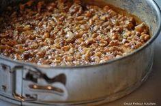 Onze Franse Keuken: Walnoten-honingtaart Cookie Desserts, Dessert Recipes, Cherry On The Cake, Delicious Desserts, Yummy Food, Honey Pie, Sweet Bakery, Sweet Pie, High Tea