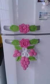 This pin was discovered by gen – Artofit Crochet Motifs, Crochet Potholders, Crochet Flower Patterns, Crochet Squares, Crochet Designs, Crochet Doilies, Crochet Flowers, Crochet Home Decor, Crochet Crafts