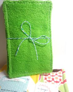 Reusable Sponge Unsponge Eco Friendly Cleaning by TheGreenHaven Make Do And Mend, Make And Sell, Diy Sewing Projects, Sewing Crafts, Easy Crafts To Sell, Reduce Reuse Recycle, Learn To Sew, Craft Fairs, Fabric Crafts