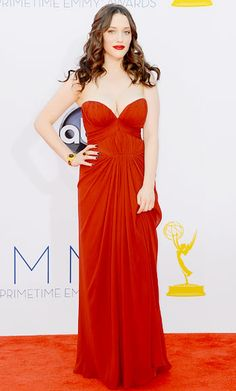 Best dressed at the Emmys 2012! / La mejor vestida de los Emmys 2012! Kat Dennings - J. Mendel