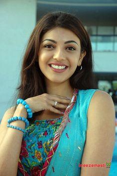 Most Beautiful Bollywood Actress, Indian Bollywood Actress, Bollywood Girls, Beautiful Actresses, Beautiful Heroine, Bollywood Stars, South Indian Actress Photo, Indian Actress Hot Pics, Indian Actresses