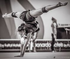 GM with a perfect split by Olympic Champion Margarita Mamun @ #echolon2016 podium training  #rhythmicgymnastics #ritamamun #russia #olympicchampion