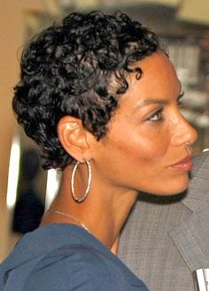 Short Curly Hairstyle Picture Nicole Mitchell Murphy Haircut Design 360x503 Pixel