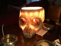 iGearz Steampunk Skull Lamp - the perfect way to add some light to your steampunk laboratory or goth vampire lair.
