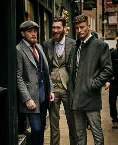 Dress like a true gentleman, stay stylish and be yourself. – [pin_pinter_full_name] Dress like a true gentleman, stay stylish and be yourself. Traje Peaky Blinders, Peaky Blinders Costume, Estilo Gangster, Style Anglais, Stylish Mens Fashion, Men Fashion, Gentleman Style, True Gentleman, Dapper Gentleman