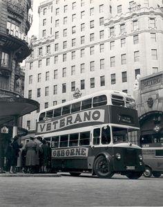Autobús Leyland en la Gran Via.