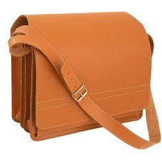 Diese große Lehrertasche lässt sich durch den robusten Trageriemen auch noch gut tragen, wenn sie vollgepackt ist. Diese Jahn Tasche, Modell 675, gibt es in den Farben Cognac, Schwarz und Braun. Sie ist für Damen & Herren geeignet. 149,00 € inkl. MwSt., kostenloser Versand innerhalb Deutschlands.