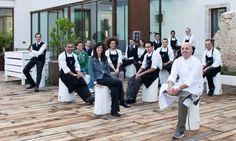 Eccoci al completo e pronti ad accogliervi! Solo bella gente al #ristorante #mareeluna #rimini #staff #brigata #cucina