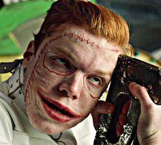 Cameron Monaghan as The Joker Gotham Joker, Joker Film, Joker Comic, Gotham Tv Series, Gotham Cast, Jerome Gotham, Dc Comics, Joker Makeup, Celebrity Siblings