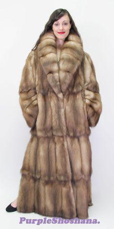 Sable Fur Coat, Mink Fur, Fur Fashion, Womens Fashion, Winter Fur Coats, Fur Stole, African Attire, Winter Wear, Fox Fur
