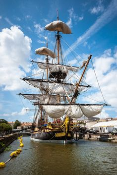 My Boats Plans - Tall Ship as historical museum. Master Boat Builder with 31 Years of Experience Finally Releases Archive Of 518 Illustrated, Step-By-Step Boat Plans Bateau Pirate, Plane Photos, Old Sailing Ships, Wooden Ship, Boat Plans, Tall Ships, Hermione, Model Ships, Water Crafts