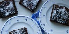 RECEPT: Kefírová buchta bez mouky a cukru. Samé vločky a kakao!