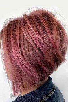 70 Fantastic Stacked Bob Haircut Ideas Textured Pink Stacked Bob ❤ If you are looking for various ways to wear a stacked bob hairstyle, we have some excellent options for you to explore. A cut like this is sassy and trendy. Best Bob Haircuts, Stacked Bob Hairstyles, Long Bob Hairstyles, Twisty Hairstyles, Heatless Hairstyles, Pretty Hairstyles, Short Angled Bobs, Bobs For Thin Hair, Thick Hair