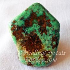 Variscite helps you to find solutions to problems. Gives stress relief, brings peace and harmony.