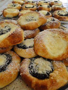 kudy-kam...: Koláčky bez kynutí č.2 Pan Dulce, Doughnut, Pancakes, Muffin, Keto, Sweets, Baking, Breakfast, Desserts
