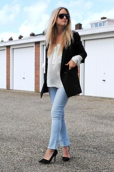 [OUTFIT] LIGHT DENIM IN PARIS (by THEFASHIONGUITAR -) http://lookbook.nu/look/2458953-OUTFIT-LIGHT-DENIM-IN-PARIS