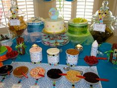 Everything Ice Cream Bar- I can make unusual combos with my ice cream maker. Set up a table for toppings and there we have it! Sundae Bar, Cute Baby Shower Ideas, Gender Party, Baby Shower Winter, Icecream Bar, Ice Cream Party, Baby Sprinkle, Everything Baby, Kids Corner