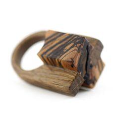 Gustav Reyes : wood
