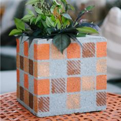 Cinder Blocks Turned Flower Pots Turn an old cinder block into an attractive outdoor planter with some colorful stenciling! I absolutely love upcycling projects - How to use just 2 cinder blocks to make your patio beautiful! Cinderblock Planter, Diy Planters Outdoor, Garden Planters, Outdoor Balcony, Planter Pots, Garden Container, Wall Planters, Planter Ideas, Balcony Garden