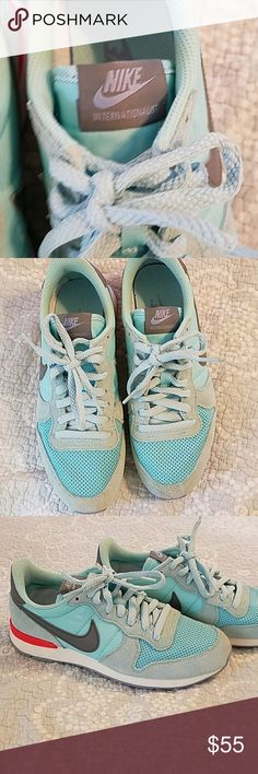 Nike Internationalist Sneaker Nike Internationalist vintage design. Worn once. No issues. Look exactly like pics. Love but I need more support. Must go. Accepting offers. Smoke free home. Nike Shoes Sneakers
