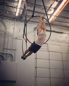 Magic trick w/ mixed grip let's you spin around #dramaticslowmo #aerialhoop #cerceau #cerceaux #lyra #aerial #aerialist #aerialacrobat #acrobatics #circusinspiration #circuseverydamnday #circusartist #alternativefitness #strength #training #cirque #aro #circusaroundtheworld #circusartistcirque #usaerial #aerialnation #verticalfix #aerialarts #aeriallyra #aerialdance