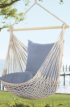 Staying in a big city packed with bustle is definitely very easy to worry you out. As a result, swinging unwinded at house with a hanging baby crib chair, also called a hammock chair, can help you refresh your mind. Backyard Hammock, Hammock Chair, Swinging Chair, Diy Chair, Hammock Ideas, Backyard Landscaping, Cool Desk Chairs, Office Chairs, Lounge Chairs