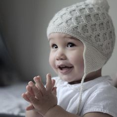 Gosh this is so beautiful from @fromlondontobrooklyn 💙💙💙. Those chubby cheeks and our smock hat .. #shirleybredal #smockhat #nordicknits #soooft #merino #knittedhat #strikhue #smockstrik #babyhue #toddlerhat #scandinavian #fairtrade