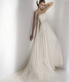 Elie Saab Wedding Gowns 2011 Pictures 3
