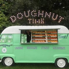 HEY, WESTFIELD STRATFORD CITY! You guys asked for doughnuts and so we're super happy to announce that Betty will be chilling in the Chestnut Plaza from tomorrow! We are also giving away FREE doughnuts on Saturday from 12pm-1pm! Tag a friend to come and join in on the good times this weekend!🎉#westfieldstratfordcity