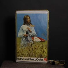 Antiques Atlas - Coca Cola 1960s Illuminating Advertising Sign Vintage Advertising Signs, Vintage Advertisements, Pub Signs, Shop Signs, Antique Signs, Vintage Signs, Industrial Signs, Gold Spray, Business Signs
