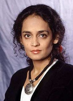 Arundhati Roy - Top 10 Famous Indian Women Writers Who Attained Global Prominence Age Of Empires, A Writer's Life, Writers And Poets, Women Life, India Beauty, Famous Women, Celebs, Celebrities, Celebrity Crush
