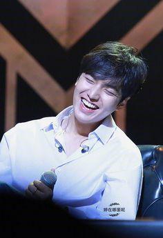 """The Originality of Lee Min Ho"" Jung So Min, Asian Actors, Korean Actors, Lee Min Ho Smile, Kdrama, Legend Of Blue Sea, Lee Minh Ho, Lee Min Ho Photos, Hallyu Star"