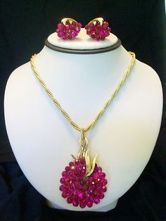 ON SALE AND LOTS MORE ON EBAY: THE GLITTER BUG STORE    RARE VTG TRIFARI RED RHINESTONE FRUIT & LEAVES PENDANT NECKLACE EARRINGS BOOK PC | eBay