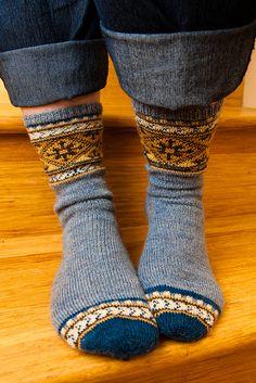 Blau, Goldengelb ilga's stockings by lollyknit
