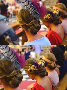 Flowers and feathers in back of hair Hairdo Wedding, Wedding Guest Hairstyles, Wedding Dress, Cocktail Outfit, Black Wedding Invitations, Fancy Hats, Gala Dresses, Bridal Hair Accessories, Bandeau