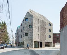 foto.art.architektur — dezeen:   Beyond the Screenby OBBA  See more...