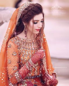Image may contain: one or more people and closeup Pakistani Bridal Hairstyles, Asian Wedding Dress Pakistani, Pakistani Fashion Party Wear, Pakistani Dresses, Pakistani Suits, Anarkali Suits, Wedding Hairstyles, Bridal Mehndi Dresses, Nikkah Dress