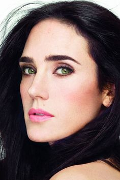 Jennifer Connelly. Amazing green eyes.