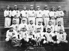 Detroit Tigers Team 1907 With Ty Cobb Bull Mascot -Baseball Boston Baseball, Detroit Sports, Detroit Tigers Baseball, Baseball Bats, Detriot Tigers, First World Series, Tiger Team, Tiger Stadium, Picture Logo