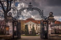 Muzeul Tarii Crisurilor by Andrei Damian on Hdr Photography, Amazing Photography, Louvre, Mansions, House Styles, City, Building, Travel, Image