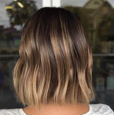 Brunette Balayage Hair Discover 60 Chocolate Brown Hair Color Ideas for Brunettes Shiny Melting Bronde Highlights for Bob Cut Girl Short Hair, Short Hair Cuts, Short Hair Styles, Pretty Short Hair, Brown Blonde Hair, Brunette Hair, Brunette Balayage Hair Short, Short Balayage, Bayalage On Short Hair