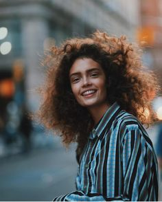 Sasha Kichigina by Kat Irlin Curly Hair Men, Curly Girl, Curly Hair Styles, Hair Photography, Portrait Photography, Sasha Kichigina, Pretty People, Beautiful People, Chica Cool